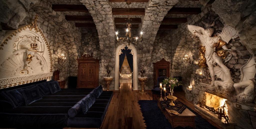 Sacred House 59