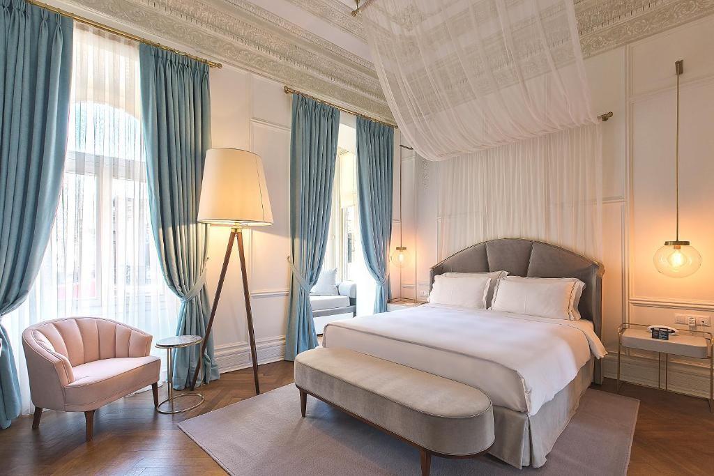 Mr Cas Hotel 574